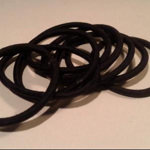 Lot de 8 élastiques noirs cheveux