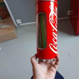 Boite coca cola avec pailles