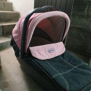 Landeau bébé fille peg perego