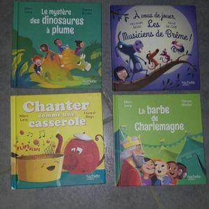 4 livres neufs