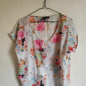M - t shirt léger & fleuri