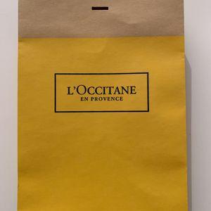 Pochette cadeau, ruban et étiquettes l'occitane