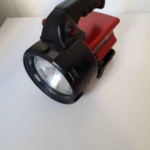 Lampe torche à réparer