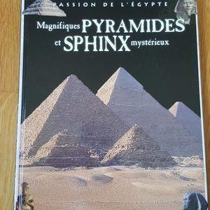 Magnifique pyramides et sphinx mysterieux