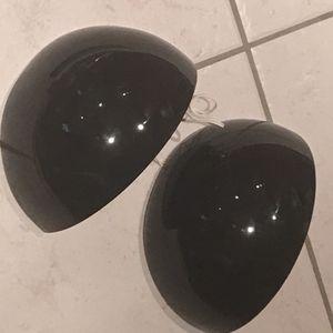 Appliques noires en céramique noire
