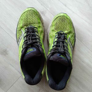 Chaussures sport homme 42.5