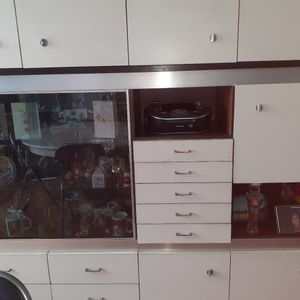 Grand buffet en formica et table