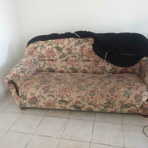 Canapé lit + house de protection