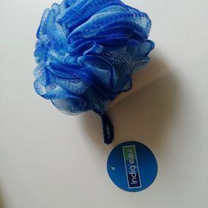 Fleur de douche bleu