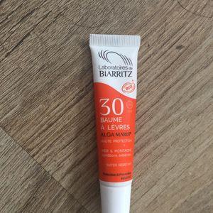 SPF 30 baume à lèvre laboratoire Biarritz