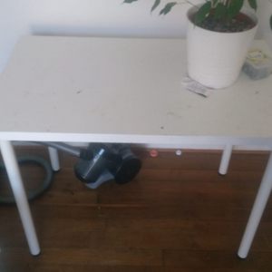 Table Ikea blanche