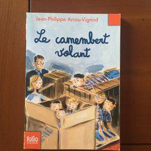 Livres Le camembert volant