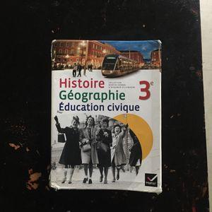 Livre histoire géo 3ème