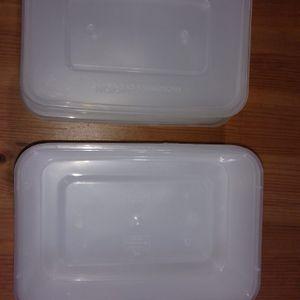 10 boîtes en plastique avec couvercle