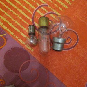 3 petites ampoules à baillonnette