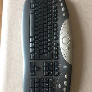 Donne clavier sans fil Bluetooth Logitech