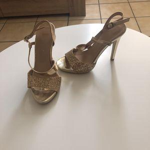 Sandale dorée