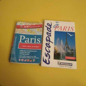 Livres touristiques sur Paris