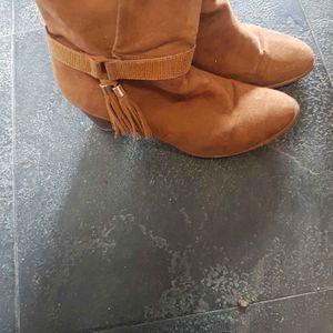 Bottines marrons style daim taille 41