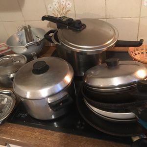 Lot de poêles/casseroles/ustensiles