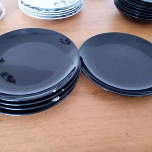 Grandes assiettes plates Ikea noir x5