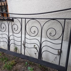 Tete de lit en metal pour deco de jardin