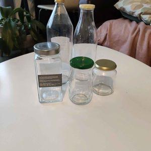 Pots et bouteilles en verre