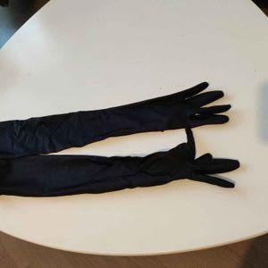 Grand gants noirs satiné