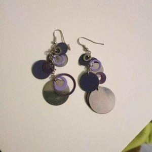 Boucles argent et violettes
