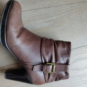Bottines cuir marrons taille 40 talons