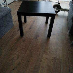 Table basse ikea carré noir