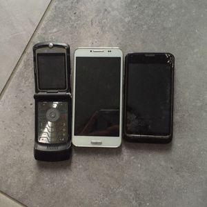 Lot de 3 vieux téléphones HS