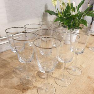 9 verres à pied