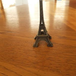 Petite tour Eiffel