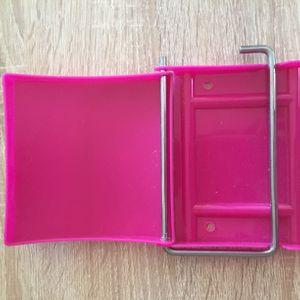 Dévidoir rose papier toilette
