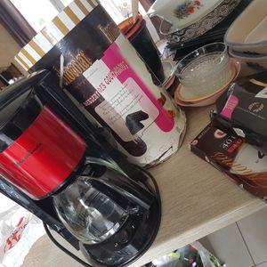Cafetière moulinex et fontaine à chocolat