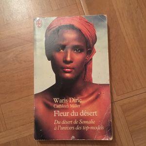 Livre fleur du désert