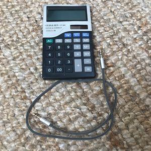 Calculatrice et petit câble jack