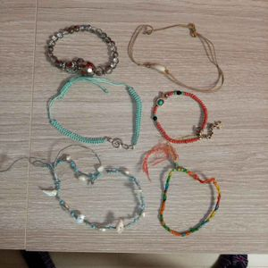 Lot de bracelets