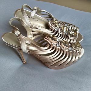 Paire de chaussures pointure 39