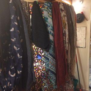 Différentes écharpes, foulards