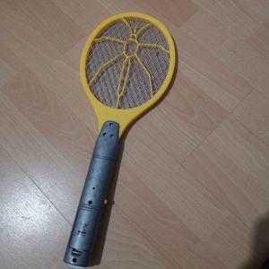 Raquette électrique anti mouches