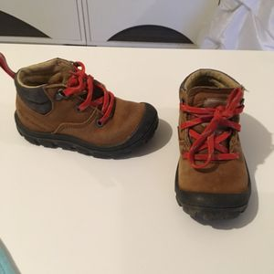 Chaussures enfant taille 22