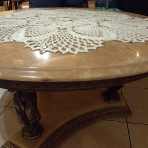 Table de salon en marbre vintage.