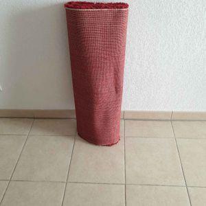 Tapis rouge 1m sur 1m60