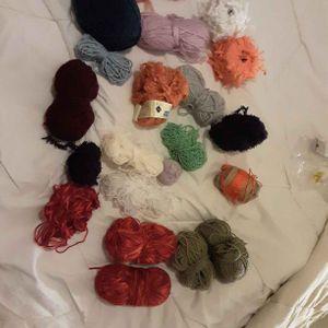 Lot de pelotes de laine