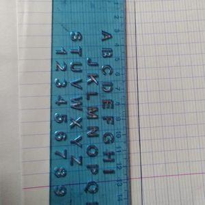 Règle lettres et chiffres