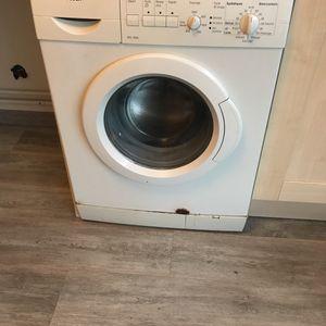 Machine à laver pour pièces