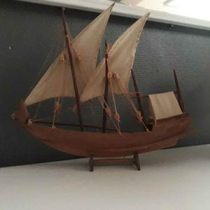 Petit bateau décoratif