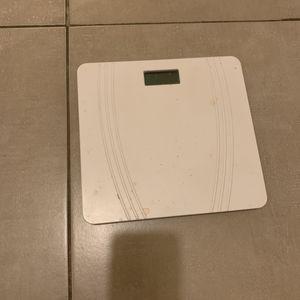 Pèse personne blanc